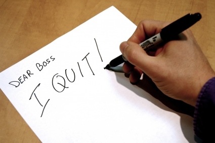 Top 3 Things To Think About Before You Quit That Crappy Job